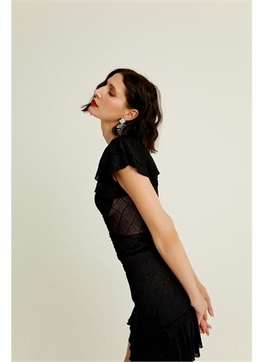 Rue Vücuda Oturan Volan Detaylı Mini Elbise Siyah